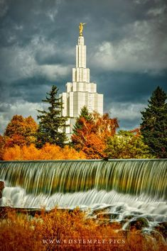 The Church of Jesus Christ of Latter-day Saints (LDS, Mormon). Lds Temple Pictures, Lds Pictures, Church Pictures, Mormon Temples, Lds Temples, Idaho Falls Temple, Later Day Saints, Lds Art, Lds Mormon