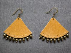 Camel leather earrings with bronze metal pearls