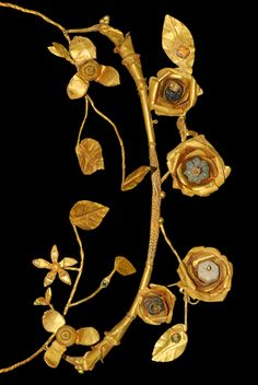 Ancient to Post-Medieval History - Hellenistic Greek Gold and Glass Floral Wreath,.Hellenistic Greek Gold and Glass Floral Wreath, Century BC Roman Jewelry, Greek Jewelry, Jewelry Art, Gold Jewelry, Fancy Jewellery, Jewelry Armoire, Fashion Jewelry, Women's Fashion, Art Antique