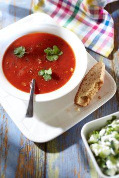 Tomaattikeitto ja kurkkuhöystö | K-ruoka
