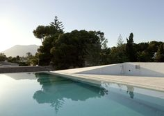 concrete-home-pool-glass-floor-6-pool.jpg