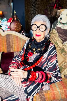 10 Lessons To Live By From Iris Apfel - Coveteur