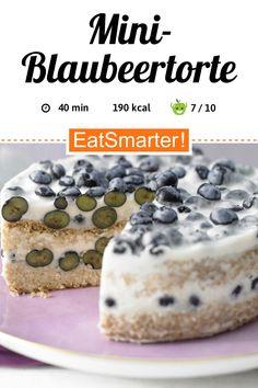 Mini-Blaubeertorte - mit Buttermilchcreme - smarter - Kalorien: 186 kcal - Zeit: 40 Min.   eatsmarter.de Superfood, Eat Smarter, Healthy Baking, Nachos, Cereal, Food And Drink, Low Carb, Breakfast, Blog
