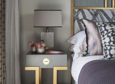 MODERN NIGHTSTAND with DRAWER | It's very important having the right pieces not only yo get bold bedrooms but also to create sets that reflect our personality. This golden nightstand with one drawer can make all that and more | http://masterbedroomideas.eu #luxuryfurniture #interiordesign #masterbedroomideas