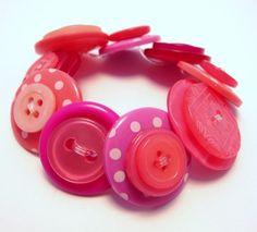 Tickled Pink Button Bracelet by TheKitschEnd on Etsy  (viataralikespink)