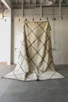 BENI HUR boucherouite vintage moroccan berber carpet