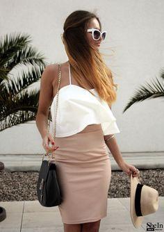 the-fashion-alba:White Strapless Zi... http://the-fashion-alba.tumblr.com/post/139326153370/the-fashion-alba-white-strapless-zipper-top-with by https://j.mp/Tumbletail