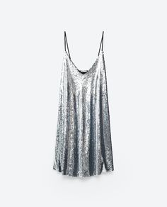 Check out 17 pieces to shop from Zara this month. The mass retailer has everything from sequin fringe dresses to lace-trimmed jumpsuits and velvet gowns. Shop our top picks, here. Sequin Cocktail Dress, Sequin Dress, Cocktail Dresses, Jeans Sequins, Look Fashion, Fashion Outfits, Womens Fashion, Safari Dress, Short Dresses