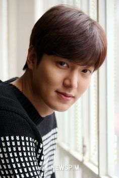A perfect guy Jung So Min, Korean Male Actors, Asian Actors, Lee Min Ho Funny, Lee Min Ho Instagram, Lee And Me, Lee Min Ho Photos, Kim Go Eun, Man Lee