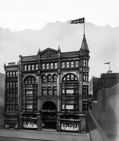 Hutzler Brothers Company building and annex.   210-218 Howard Street, Baltimore,   ca. 1915.   Hughes Company.   8 x 10 glass negative.   Baltimore City Life Museum Collection.   Maryland Historical Society,   MC6858.