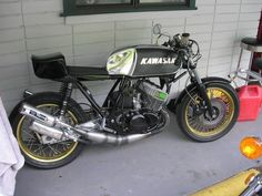Kawasaki KH750 - Builder Unknown