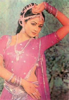 Sridevi demure breast covered and most midriff concealed indian traditional sari in pink, old Bollywood style