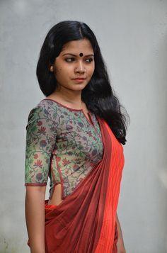 Amazing Elegant Sari Blouse Click above VISIT link for more - Saree Blouses Cotton Saree Blouse Designs, Fancy Blouse Designs, Blouse Neck Designs, Kurta Designs, Stylish Blouse Design, Designer Blouse Patterns, Designer Dresses, Beautiful Blouses, India