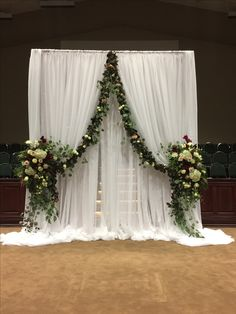 52 Ideas for wedding ceremony ideas entrance flower Wedding Reception Backdrop, Church Wedding Decorations, Wedding Centerpieces, Decor Wedding, Wedding Church, Arch Wedding, Wedding Backdrops, Church Ceremony, Flower Centerpieces