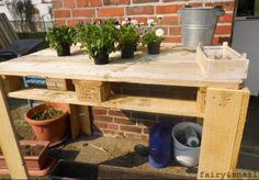 Pflanztisch aus Palettenholz / Table made from palettes / Upcycling