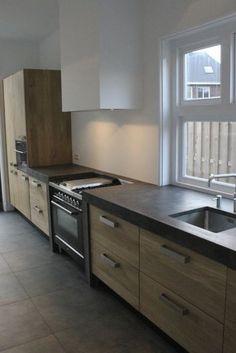 Naturel olie Koak Design Ikea keuken kasten met eiken houten fronten en robuust betonnen blad1 koak design