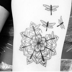 dragonfly-tattoo-designs-for-women-18