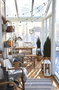 Kanelia ja kardemummaa // Lasitettu terassi Summer House Interiors, Beautiful Houses Interior, Outdoor Spaces, Outdoor Decor, My Dream Home, Small Spaces, Sweet Home, New Homes, Patio