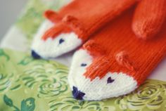 fox mittens!