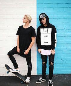 Boy Post, Surfer Boys, Classic Man, Cute Guys, Teen Fashion, Cool Photos, Street Wear, Photoshoot, Street Style