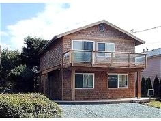 This home is located just 55 steps to the beach! - Vacation Rentals in Manzanita, Oregon Coast #travel #getaway