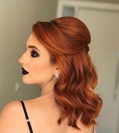 penteado de festa semi-preso - The 100 best photographs ever taken without photoshop Bridesmaid Hair, Prom Hair, Loose Hairstyles, Wedding Hairstyles, Medium Hair Styles, Short Hair Styles, Christmas Party Hairstyles, Hair Color Highlights, How To Make Hair