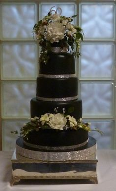 Black White and Diamonds - by Essentially Cakes @ CakesDecor.com - cake decorating website