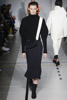Sportmax Fall 2017 Ready-to-Wear Collection Photos - Vogue #style #fashion #clothes