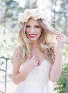 BRIDAL LIPSTICK FLORAL HEADPIECE