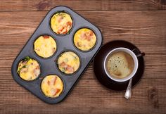 12 muffins 4 count Whole eggs 4 count Egg Whites 1 tbsp Olive oil 1 cup Red pepper measured after chopping 1 cup Green pepper measured after chopping 1 Egg Muffin Cups, Egg Cups, Muffin Tins, Veggie Egg Muffins, Lemon Blueberry Muffins, How To Cook Ham, Christmas Dishes, Big Meals, Morning Food