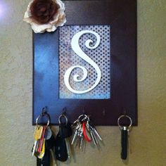 Key holder this is a cute idea but I would cross stitch the letter and put that in a frame. I would also find fancy old keys and bend them into hooks! Next project! - My-House-My-Home Cute Crafts, Crafts To Make, Arts And Crafts, Diy Crafts, Home Projects, Craft Projects, Craft Ideas, Decorating Ideas, Diy Ideas