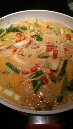 Curry chicken Lchf, Cheeseburger Chowder, Thai Red Curry, Soup, Chicken, Dinner, Ethnic Recipes, Dining, Food Dinners