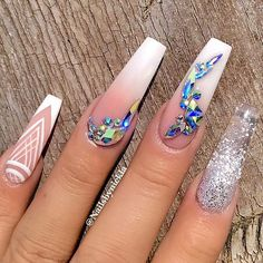 Nail art is a very popular trend these days and every woman you meet seems to have beautiful nails. It used to be that women would just go get a manicure or pedicure to get their nails trimmed and shaped with just a few coats of plain nail polish. Glam Nails, Fancy Nails, Bling Nails, My Nails, Bling Nail Art, Long Nail Designs, Acrylic Nail Designs, Nail Designs Bling, Art Designs