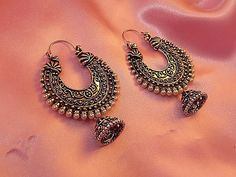 Largest online marketplace for unique Indian products with more than jewellery, sarees, salwar suits and handmade and natural products. It is ETSY of India. Indian Jewelry Earrings, Indian Jewelry Sets, Silver Jewellery Indian, Jewelry Design Earrings, Gold Earrings Designs, Ear Jewelry, Fashion Earrings, Silver Jewelry, Silver Earrings