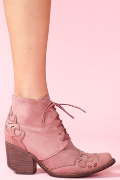 Today's So Shoe Me is the Haliwell Ankle Boot by Jeffrey Campbell, $258, available at Nasty Gal. On trend Western accents in a classic lace-up boot create the perfect boho vibe for urban cowgirls to get in their country kicks.