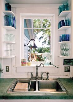 Narrow shelves: extra storage for glasses next to sink