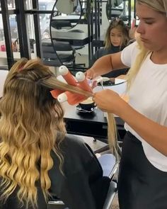 Curled Hairstyles, Pretty Hairstyles, Hair Waver, Long Wavy Hair, Natural Hair Styles, Long Hair Styles, Hair Dos, Gorgeous Hair, Hair Hacks