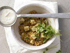 Scharfer Linsentopf - mit Tofu und Chili-Joghurt - smarter - Kalorien: 358 Kcal - Zeit: 20 Min. | eatsmarter.de