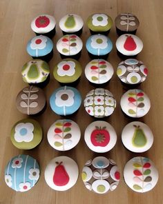 Orla Kiely cupcakes! By Nibble & Scoff Cakes