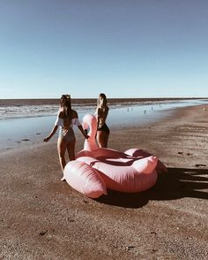 Pinterest: iamtaylorjess | Flamingo, friends, and freedom | Summer vibes | Ocean