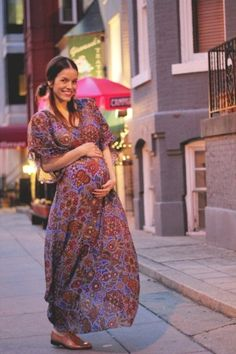 Lovely bohemian style! #maternitystyle #pregnancy #momstyle #mamastyle #fashion #pregnancylook Visit our website www.circu.net