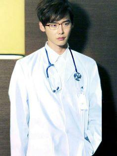 LEE JONG SUK in DOCTOR STRANGER how does he look so good like my god