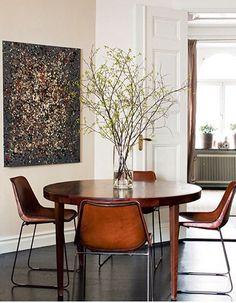 #wallart #living #leatherchairs #decor #homedecor #table #indoorplants #art #inspiration #ideas #inspiring #interior #designs