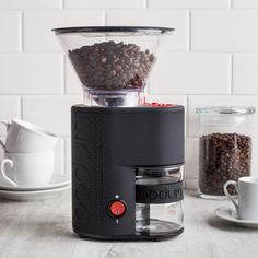The BISTRO Burr Grinder crushes beans between stainless steel conical burrs rather than slicing them, which preserves bean's intrinsic flavour and aroma and provides a consistent grind; no sharpening required.