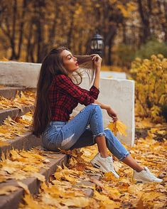 New York Portraits Gorgeous Outdoor Style Portrait Photography Ideas Autumn Photography, Girl Photography Poses, Tumblr Photography, Creative Photography, Free Photography, Photography Camera, Professional Photography, Digital Photography, Wedding Photography