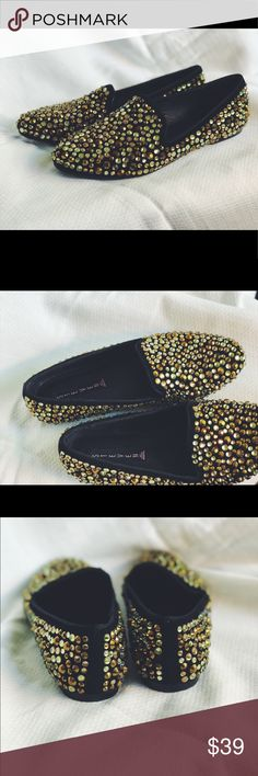 Steve Madden Majkai Loafers Velvet loafer encrusted with yellow, gold, and bronze jewels. Extra jewels included in the shoe box. Great condition. Steve Madden Shoes Flats & Loafers