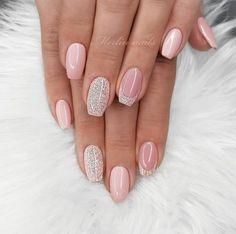 43 Pretty Nail Art Designs for Short Acrylic Nails Nude Nails with Glitter Glam Nails, Beauty Nails, My Nails, Beyonce Nails, Nude Nails With Glitter, Nagellack Design, Short Square Nails, Pretty Nail Art, Best Acrylic Nails
