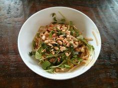 Homemade pad thai by Douchka