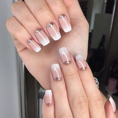 You want to look amazing but different but the problem is you dont want to look like everybody else. That is where ombre nail come in Neon Acrylic Nails, Acrylic Nail Powder, Powder Nails, French Nails, French Gel, Winter Nail Art, Winter Nails, Summer Nails, Ombre Nail Designs
