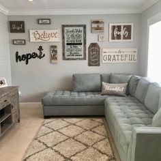 70 Best Farmhouse Living Room Decor Ideas And Remodel. If you are looking for 70 Best Farmhouse Living Room Decor Ideas And Remodel, You come to the right place. Casa Top, Farmhouse Wall Decor, Farmhouse Style, Modern Farmhouse, Farmhouse Ideas, Living Room Remodel, Room Wall Decor, Cool Walls, Living Room Interior